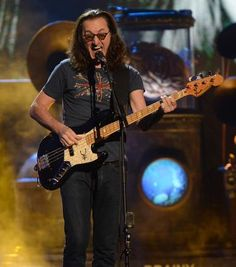 Geddys wail...The 28th Annual Rock and Roll Hall of Fame Induction Ceremony Photo Gallery | The Rock and Roll Hall of Fame and Museum
