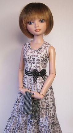 #repin #fashion #dolls #ellowyne OOAK Ellowyne Wilde set, Doodles outfit. Dress, gloves, petticoat. SOLD  via Etsy