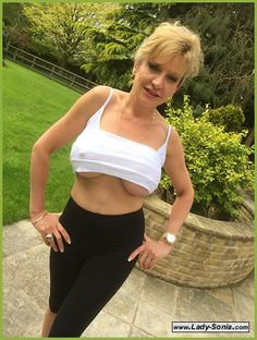 """I am Gill Ellis-Young and I play """"lady Sonia"""" at www.Lady-Sonia.com xx"""