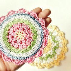Cluster Flower Potholder -  free crochet pattern