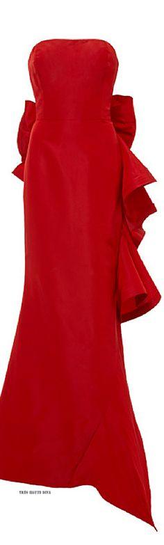 Oscar de la Renta Strapless Ruffle-Back Gown