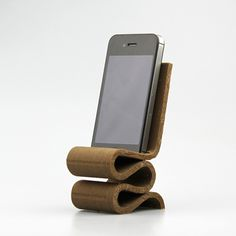 Frank Gehry Wiggle Chair iPhone Amplifier by Michele Badia - MyMiniFactory.com