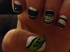 Seahawks nail art