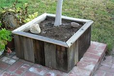 reuse old fence boards - planter
