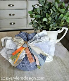 No Sew Pumpkin Tutorial #craft #fall #halloween #DIY