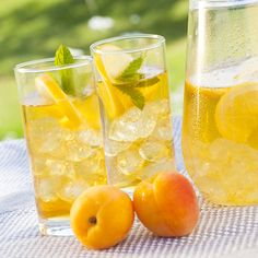 Apricot Iced Tea. Iced tea is a barbecue staple. Update the standard mix by going homemade with a seriously delicious combo of fresh brewed black tea, mint, vanilla, and apricot. #icedtea #healthyicedtea #icedtearecipe #healthyrecipe #summerdrink #summerrecipe #healthydrink