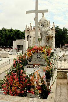 Habana  Cuba, cementerio la milagrosa
