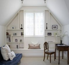 Similar to the nook in our master bedroom...I think I'm going to make this my 3-month project & replicate those built-in shelves