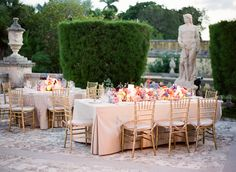 Gorgeous garden tables. Photo by KT Merry Photography. www.wedsociety.com #wedding #decor
