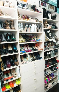 The things we would do for this closet... www.thecoveteur.com/june_ambrose