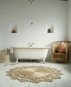doily rugs rule. need to make one.