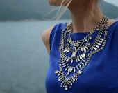This statement necklace is extreme chic!