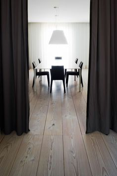 Deluxe House Remodel Presenting Contemporary Interior: Classic View Of House A Dining Room Interior Decor With Rustic Wooden Floor And Dark ...
