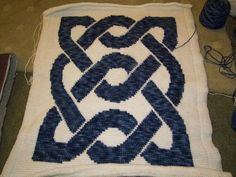 Free Celtic Knot Crochet Afghan Pattern : Crochet Celtic on Pinterest Celtic Knot, Book Of Kells ...