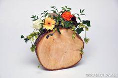 Op een boomschijf... http://www.bissfloral.nl/blog/2013/10/21/op-een-boomschijf/