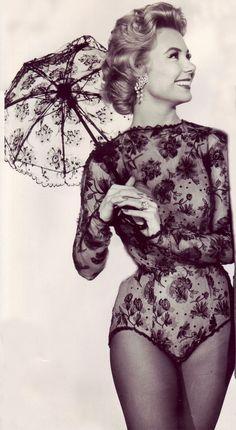 Mitzi #Gaynor... #body #pinup #lingerie #vintage