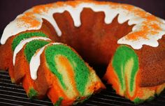 Thanksgiving Bundt Cake