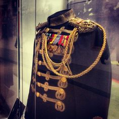 The Marine Corps Band supports the President and the Commandant. This uniform was worn by LtCol Santelmann, who directed the band from 1940-1955.  He led the band during the inauguration of three presidents: Franklin Roosevelt, Harry Truman, and Dwight Eisenhower.  Semper Fidelis  #SemperFi #Marines #USMC #USMCmuseum #USMCband #PresidentsOwn  #Inaugural #inauguration #Quantico