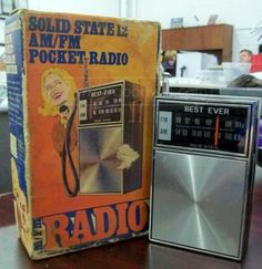 Solid State 12 AM/FM Pocket Radio