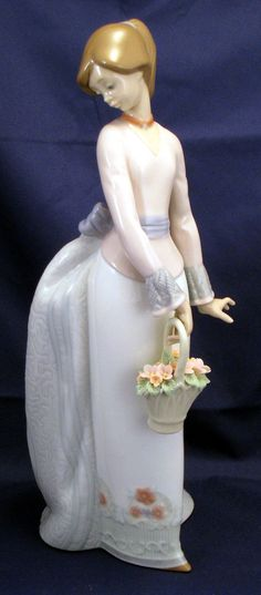 "Lladro ""Basket of Love "" Figurine"
