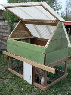 DIY Chicken Coop easy design but I would use different materials and paint it white