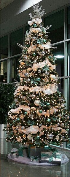 Christmas tree: peach, gold and blue.  Forget blue.  Master bedroom.