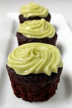 chocolate avocado cupcakes with avocado buttercream