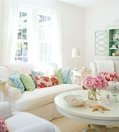 coffee tables, white living, shabby chic, color, beach houses
