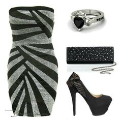 Haulter skin tight dress w ring and cluch and heels.