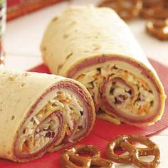 Roast Beef Roll-Ups lunch idea, beef recipes, beef rollup, roast beef roll ups, food, roasts, healthy kids, healthy lunches, healthy kid lunches