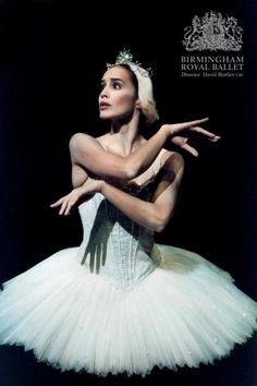 Leticia Müller as Odette in Swan Lake.    Photo by Bill Cooper.