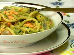 Italian food - Pasta con carciofi e salmone