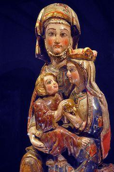 Monestir de Cañas,virgen y el niño.  La Rioja-Navarra-España