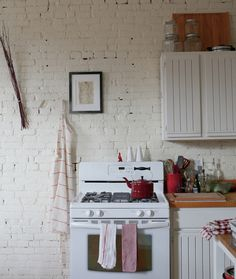 stove, interior, inspiration, brick wall, old houses, bricks, kitchen inspir, white brick, white kitchens