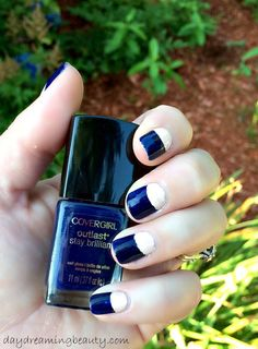 Fall Manicure Tutorial - navy and ivory half moon #mani - daydreaming beauty