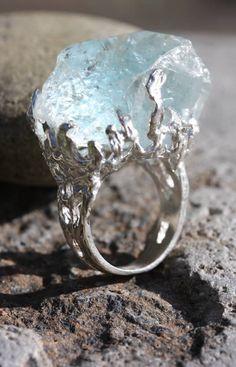 ✿ Wunderkammer ~ Freeform Aquamarine Ring ✿