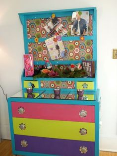 7 Upcycled DIY Ideas to Decorate a Tween or Teen Girl's Bedroom