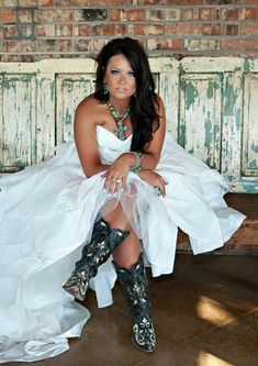 Cowboy Boots with the dress and turquoise! .. This is perfect! @ Wedding Day Pins : You're #1 Source for Wedding Pins!Wedding Day Pins : You're #1 Source for Wedding Pins!