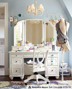 wall colors, bedroom idea, makeup vanities, wall paint colors, makeup dressers, dream, old dressers, christmas lights, makeup vanity