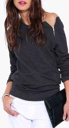 Much in love with this zip sweatshirt