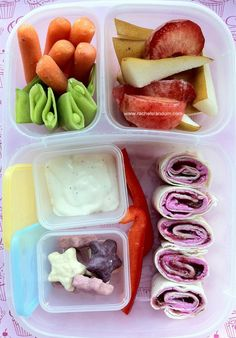 Pink Pinwheels in #easylunchboxes with #minidippers. #bento #vegetarian