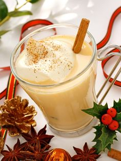 Frosted Coconut Blitz #Christmas #cocktails #holiday