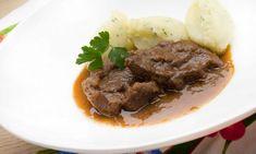 Receta de Filetes de espaldilla en salsa con puré de patatas