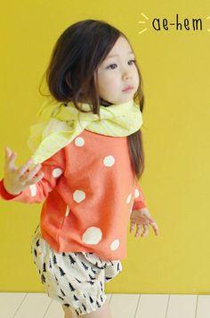 Ae-hem Spring Dot Knit