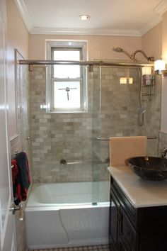 combo bath tub and shower | guesthouse bath