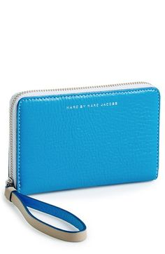 Love this Marc Jacobs smart phone wallet. Perfect for summer (or any season, really).