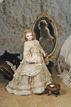foot stool, fashion doll