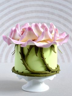 sleeping rose fairy mini cake