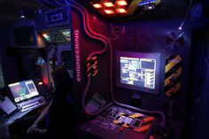 DIY Hackers Convert RV Into Epic Spaceship Simulator #technology