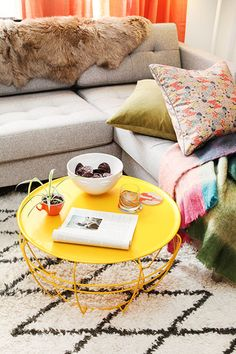 15 Ways To Pump Up Your Pad With Color!